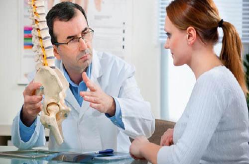Những kiểu uống thuốc gây loãng xương ở người trẻ tuổi