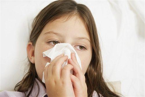 Cảm cúm thường là do cơ thể bị nhiễm virus đường hô hấp