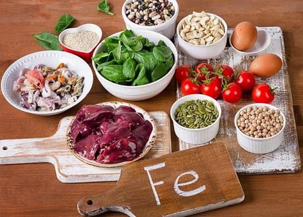 Chế độ ăn uống hợp lý cũng là một giải pháp điều trị thiếu máu não