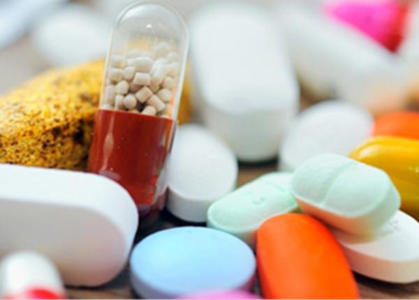 Tại sao khi uống thuốc về bệnh khớp lại bị đau dạ dày ?