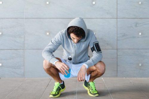 Bổ sung đầy đủ nước và vitamin trong quá trình luyện tập thể thao