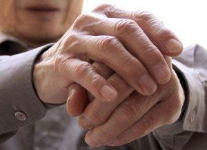 Bệnh parkinson với những biểu hiện như run tay chân