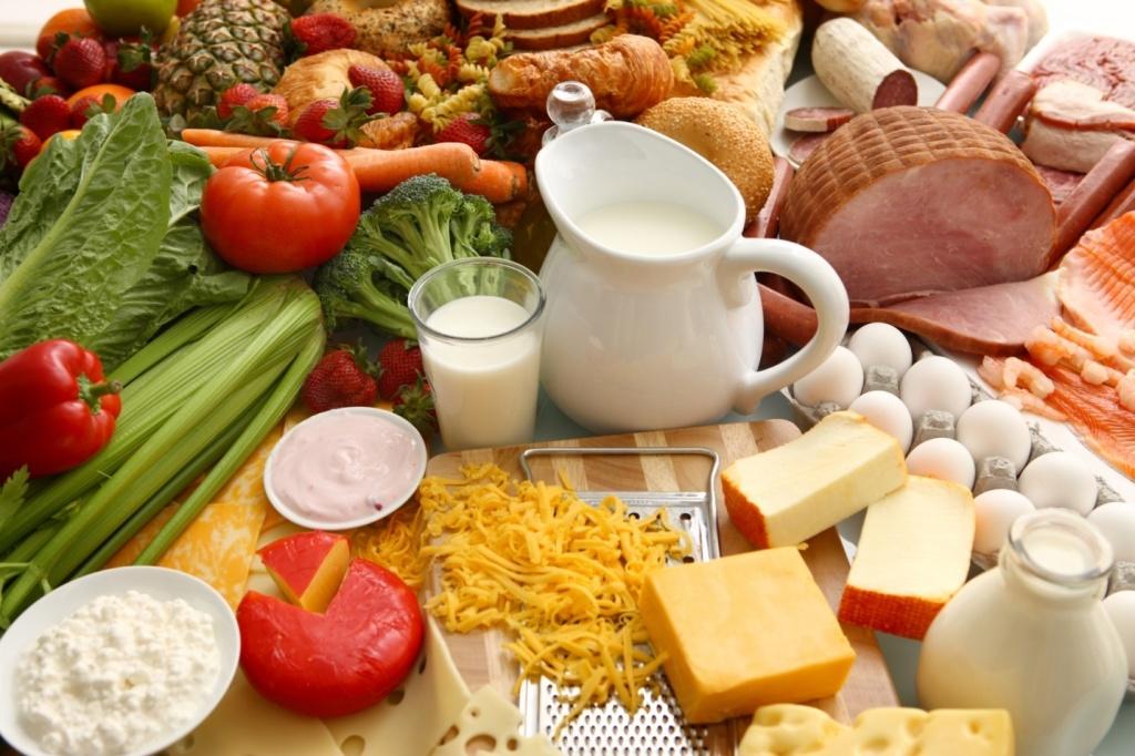 Dinh dưỡng là điều vô cùng quan trọng cho mẹ bầu sau sinh
